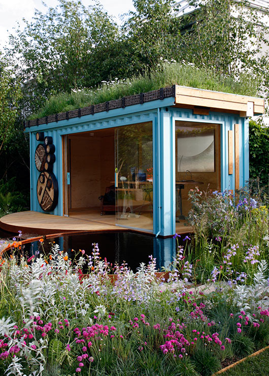 The green roof shelters container family for Maison container 50000